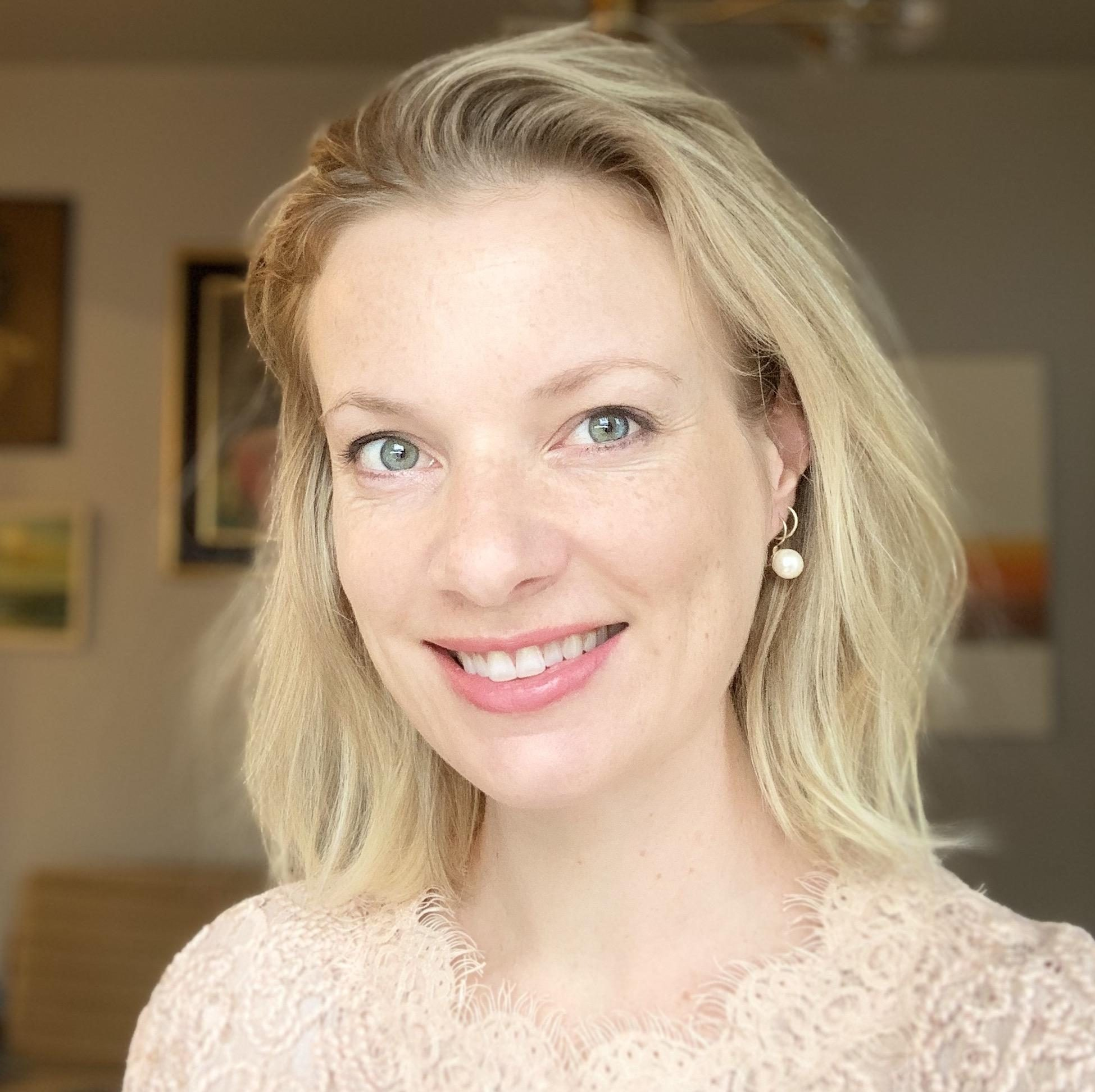 Julia Plume portrait